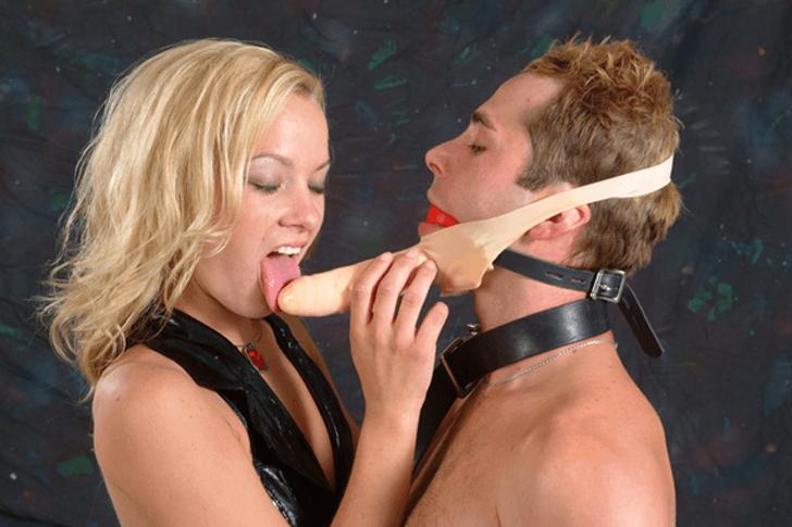 Junge Fetisch Schlampe sucht BDSM Sexkontakte für Rollen Sexspiele in der Umgebung